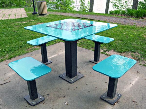 table extérieure carrée - table damier st mathias 2020