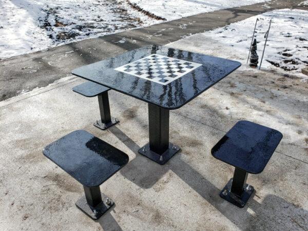 table extérieure carrée